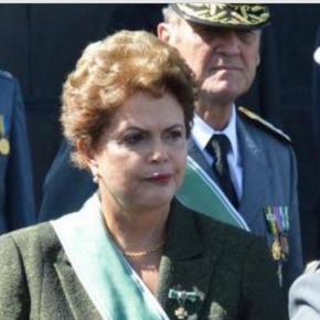Dilma Rousseff em encontro com militares