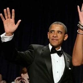Czy Obama lekceważąco pomachał Dudzie?