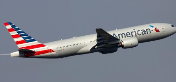 Incident aviatic la un zbor American Airlines