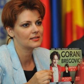 Olguța Vasilescu înfundată de Goran Bregovic