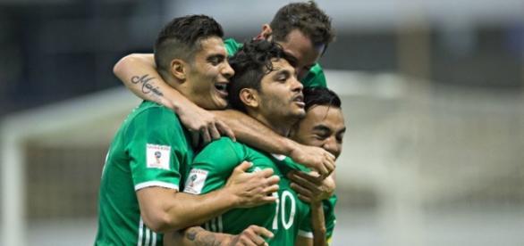 """Con una genialidad """"Tecatito"""" anota el segundo gol mexicano"""