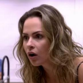 Ana Paula fica surpresa no Big Brother