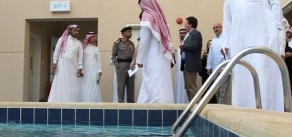 Piscină într-o închisoare de lux pentru teroriști din Arabia Saudită - Foto www.technocrazed.com