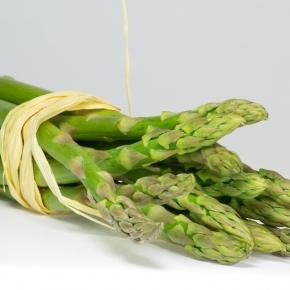 Spróbuj zmiksować szparagowe, zielone koktajle