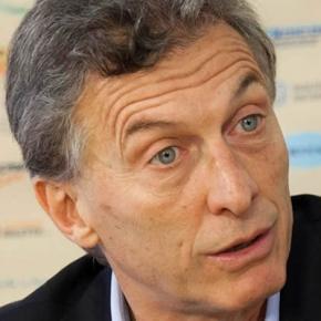 Surgieron más firmas de Macri en paraísos fiscales mientras Cristina involucró a su gabinete con compra de dólares a futuro contra el Estado