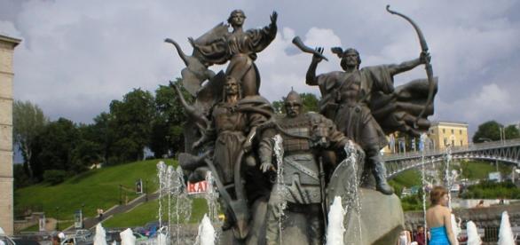 Founders Statue in Central Kiev. Source: Diane E. Tatum