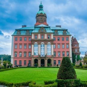 Zamek w Książu po latach oczekiwania otwiera swoje podziemia dla turystów.