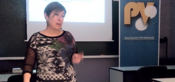 Mercedes Ventura explica qué es el tecnoestrés