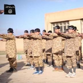 Copii într-o tabără de antrenament ISIS pregătiți să devină o nouă generație de luptători