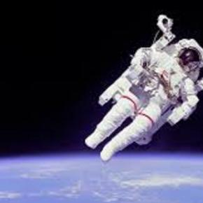 Astronauts face difficulties in space - Google Images
