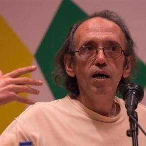 """Augusto M. Seabra: um dos comentadores a quem João Soares ameaçou dar """"bofetadas""""."""