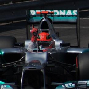 Schumacher celebrando o melhor tempo no Mónaco/12. Foto Wackywace/Wikimedia.