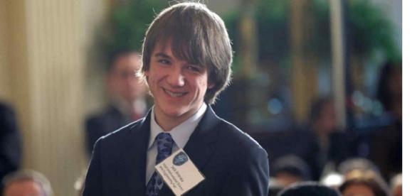 Joven Genio descubre método para detectar 3 tipos de Cancer