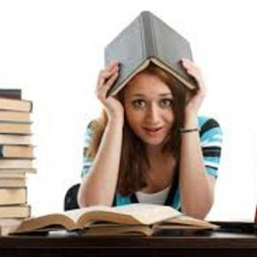 Estude Literatura vendo filmes. Imagem/Fonte cotet.