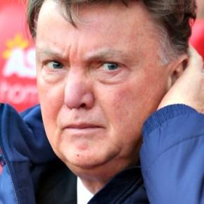 OFICIAL: Van Gaal é despedido!