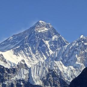 Un alpinist olandez și o alpinistă australiană au murit într-o expediție pe Everest