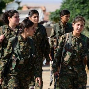 Des combattantes du PYD au Rojava, célèbres pour leurs combats contre Daesh – mais dont les chefs ne font pas l'unanimité. (Photo : Free Kurdistan)