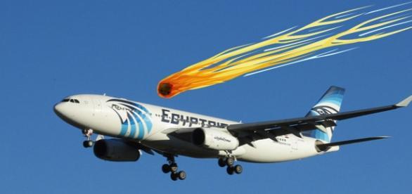 Teorie surprinzătoare! Avionul EgyptAir a fost lovit de un meteorit.