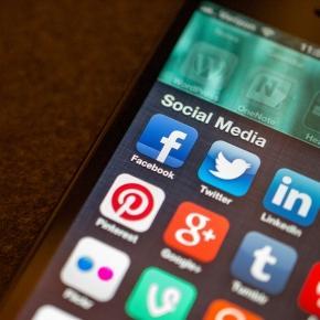 Social media apps (Flickr/ Jason Howie)