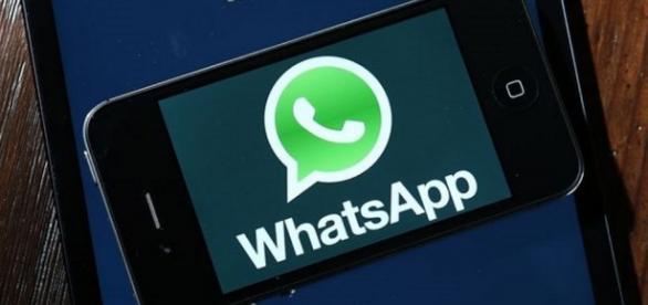 Resultado de imagem para whatsapp volta ao ar