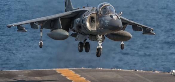 https://pixabay.com/en/aircraft-landing-jet-carrier-713693/