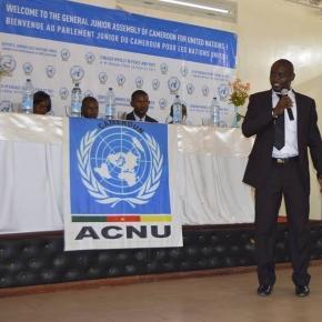 Les jeunes députés juniors lors d'une conférence