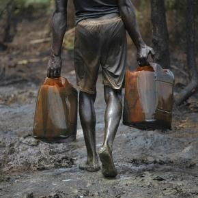 Attacks on oil pipelines has affected Nigeria's economy / Photo via Breaking Times
