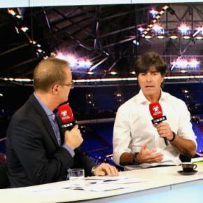RTL Sportmoderator Florian König mit Bundestrainer Jogi Löw