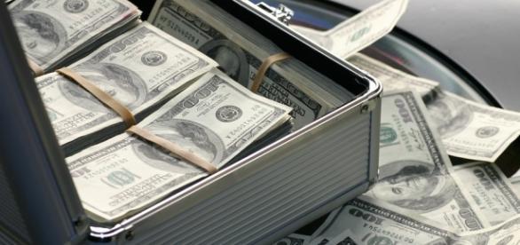 American dollars in liquid form (pixabay)