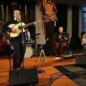 A la guitare, Moulay el Chatter en concert