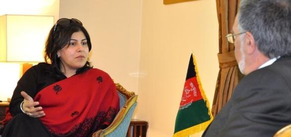 https://en.wikipedia.org/wiki/Sayeeda_Warsi,_Baroness_Warsi#/media/File:Afghan_Foreign_Minister_(8539298132).jpg