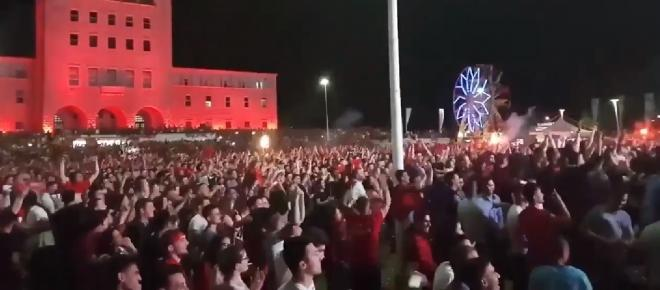 VIDEO: Sărbătoare națională în Albania după victoria cu România