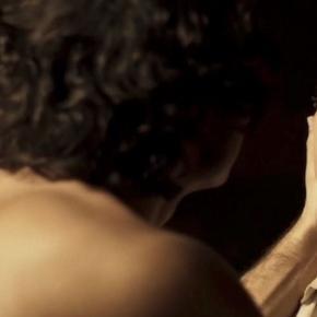 Novela das onze terá sequência forte de relação entre dois homens