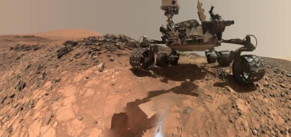 On Mars, Curiosity finds signs of an explosive volcanic past - LA ...