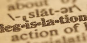 O primado da legislação europeia obriga a uma saída negociada de forma serena.
