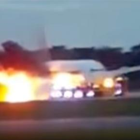 Singapore Airlines Boeing jet caught fire –Via –YouTube