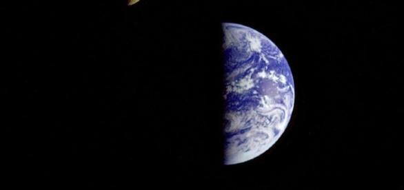 earth and moon together - photo #13