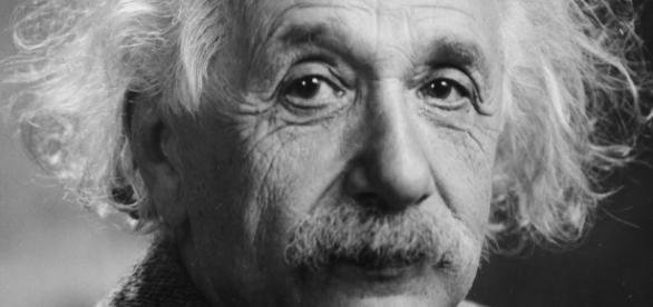 Photo of Einstein taken in 1947 (Wikipedia)