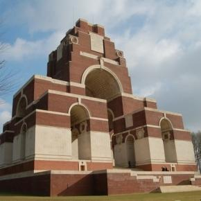 https://pixabay.com/en/thiepval-memorial-world-war-1-447531/