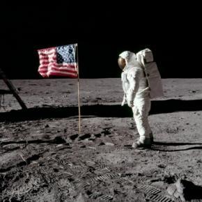 Misiunea Apollo 11 a NASA pe Luna