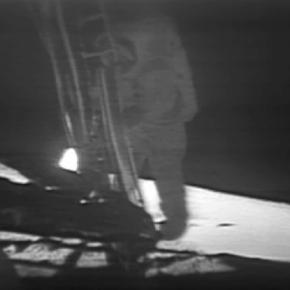 The first footstep on the moon (NASA)