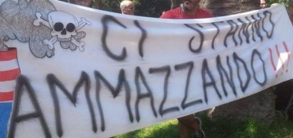 Striscione di protesta dei tarantini