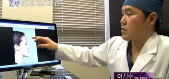 Coreenii de nerecunoscut în urma operaţiilor estetice