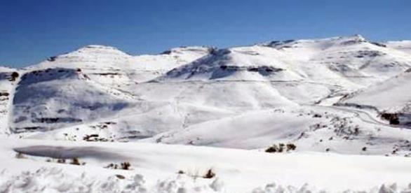 Africa snow / Photo by Jakovt1. via cc2.5 via Wikimedia