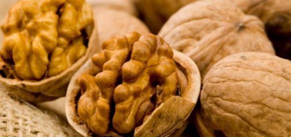 Orzechy włoskie - zdrowa i smaczna przekąska.