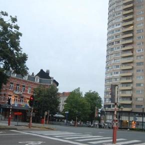 Rue de Bruxelles vide après le double attentats de Mars 2016 en Belgique