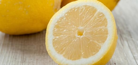 Lemon's advantages for your health - selfcarer.com/health-benefits-of-lemon/