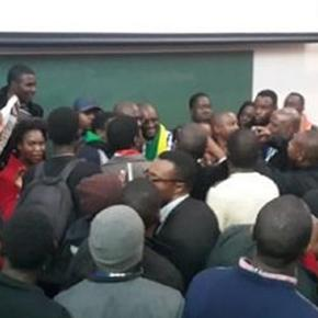 After lecture @PastorEvanLive gets swarmed by attendants who want to meet him #ThisFlag. Photo screencap via Nasya Smith ‏@NasyaSmith_SA Twitter