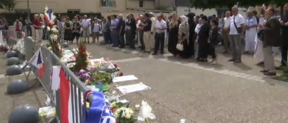 Rouen, la comunità musulmana domani andrà in chiesa