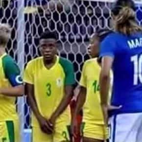 #JO RIO 2016 : un homme parmi l'équipe féminine sud-africaine de football ? Crédit photo KKL